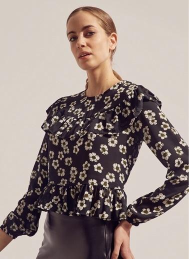 Monamoda Çiçek Desenli Volanlı Şifon Bluz Siyah